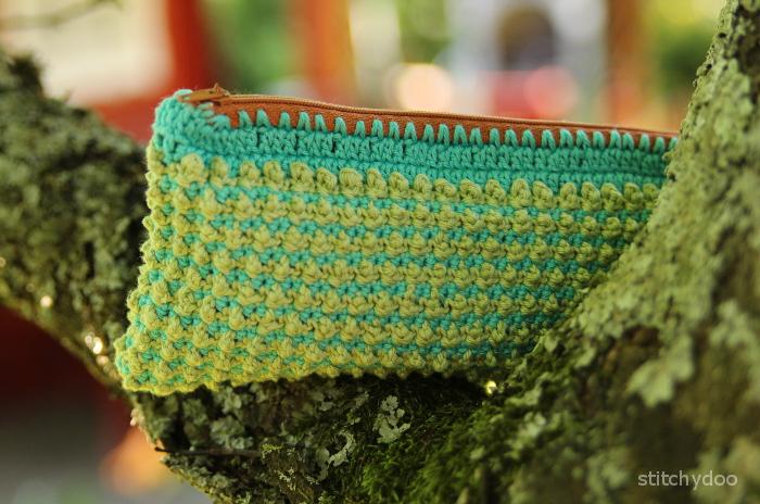 Tasche direkt an Reißverschluss häkeln - Knotenstich