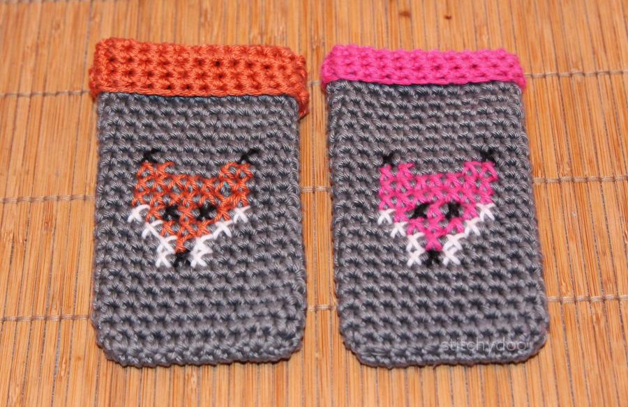 Gehäkelte Smartphone-Taschen mit gestickten Füchsen
