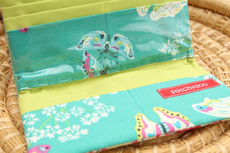 Genähtes Portemonnaie / Geldbörse in Türkis und Grün aus Kunstleder und Wachstuch