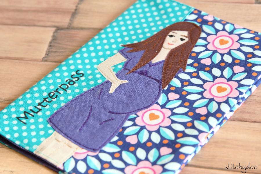 stitchydoo: Mutterpasshülle | Gezeichnet und appliziert - Schwangere Frau Applikation