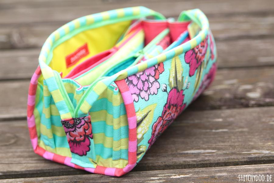 stitchydoo: Sew Together Bag aus knalligen Tula Pink Stoffen