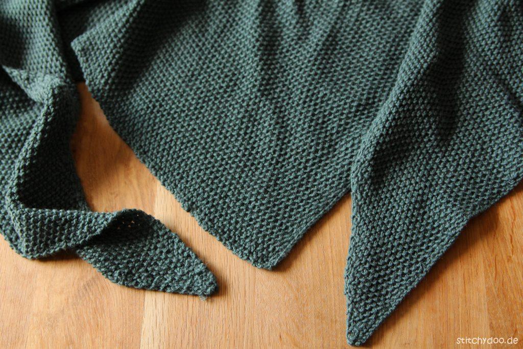 stitchydoo: Dreieckstuch mit Perlmuster stricken