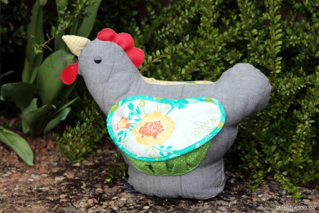 stitchydoo: Eierhenne Hennriette - Ein Huhn mit praktischer Eierlegefunktion